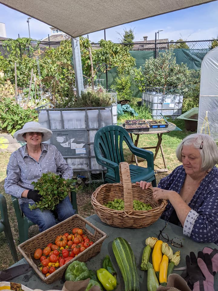 Members at pentridge sorting hops